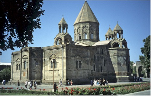 Ejmiatsin_Cathedral